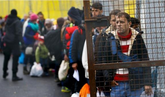 Izbeglice na austrijsko-slovenačkoj granici