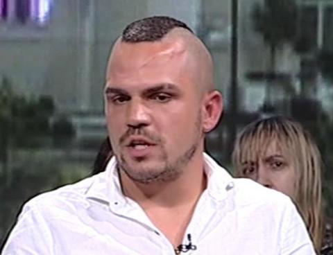 Uopšte ne liče: Evo kako izgleda brat Baneta Čolaka, žene lude za njim! FOTO