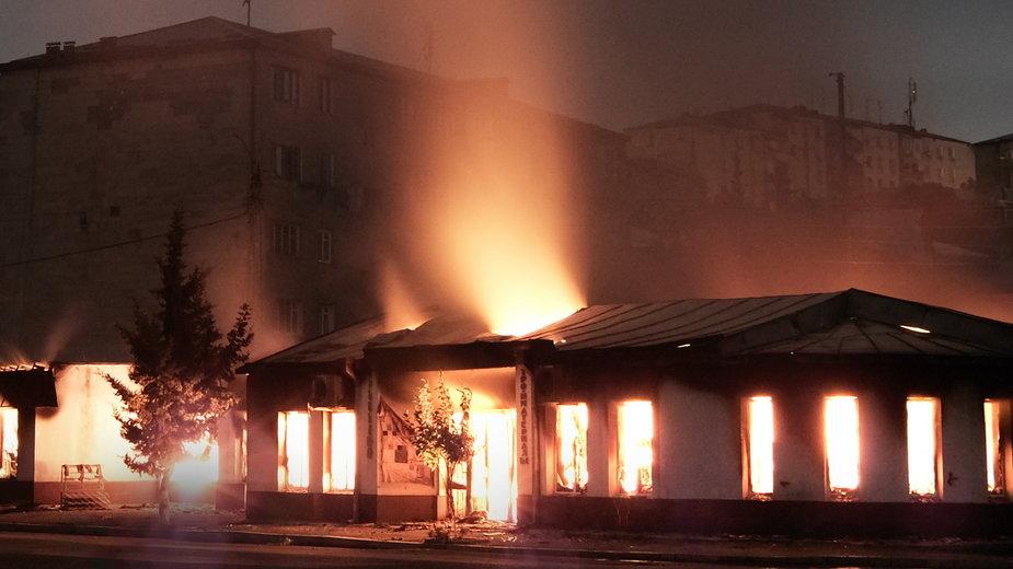 Pożar budynku w Stepanakercie, stolicy Górnego Karabachu