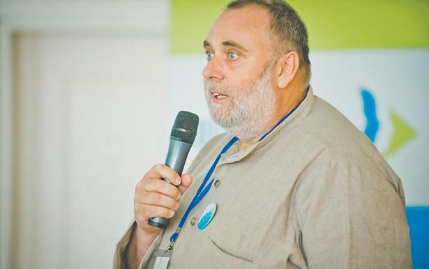 Jacek Zalewski, prezes Stowarzyszenia Dobra Wola OPP, Przewodniczący Wojewódzkiej Społecznej Rady ds. Osób Niepełnosprawnych na Mazowszu, były doradca Ministra Pracy i Polityki Społecznej w latach 2014–2016