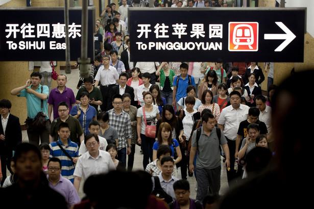 Produkcja przemysłowa Chin przeżywa brutalny wstrząs, a wzrost gospodarczy Indii zatrzymał się