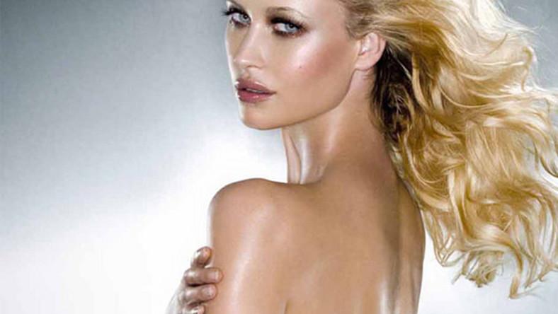 Landi Swanepoel jest jedną z najbardziej znanych modelek z RPA. Niedawno wybrano ją Miss Mundialu 2010