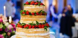 Nagi tort robi furorę! To on jest teraz najczęściej wybierany na wesela