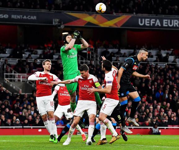 Detalj sa meča između Arsenala i Napolija