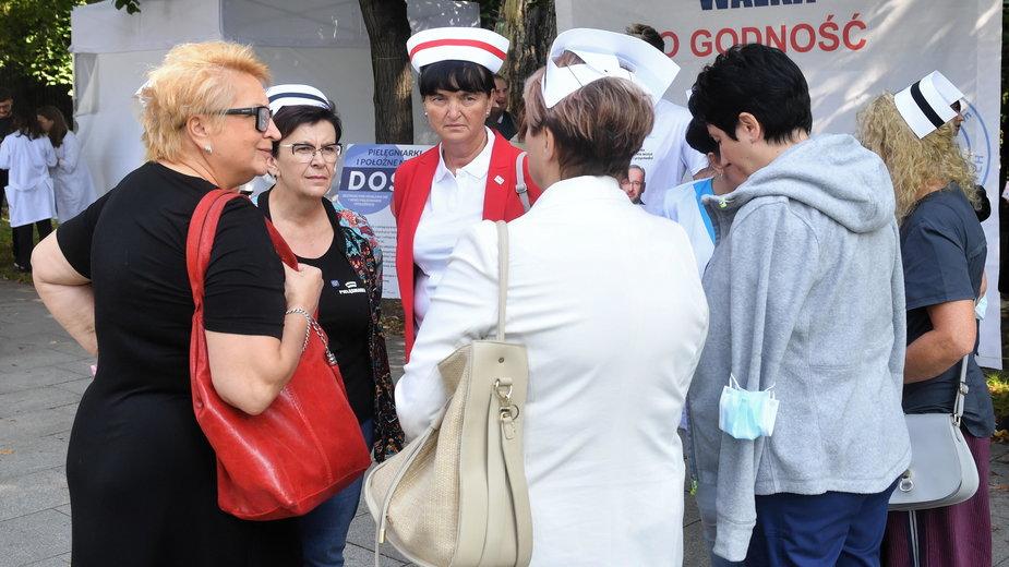 """Uczestnicy protestu w """"Białym Miasteczku"""""""