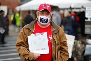 Nieśmiali wyborcy. Sympatycy Trumpa zakpią z sondażowni?