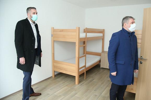 Ministar zdravlja prilikom obilaska karantina.