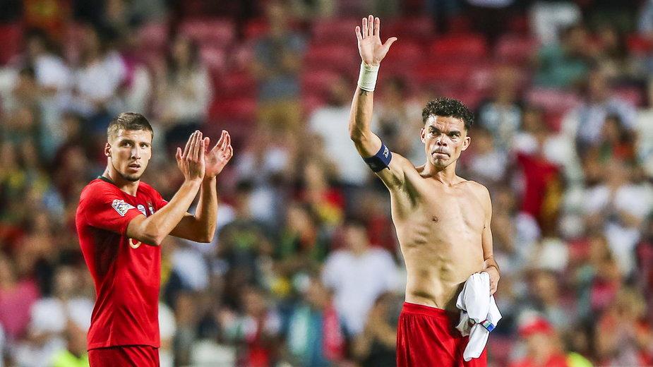 Ruben Dias (z lewej) i Pepe powinni stworzyć duet stoperów podczas EURO 2020