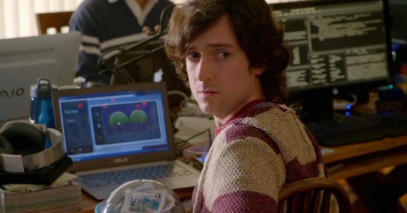 """Ten bohater serialu """"Silicon Valley"""" najpierw zazdrościł awansów, potem to jemu zazdroszczono"""