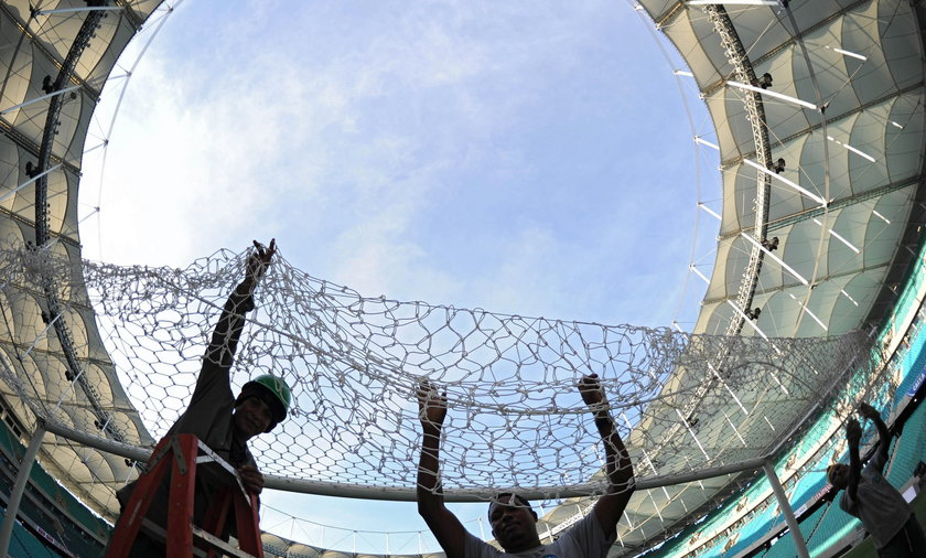 Zapadł się dach stadionu w Salvador de Bahia