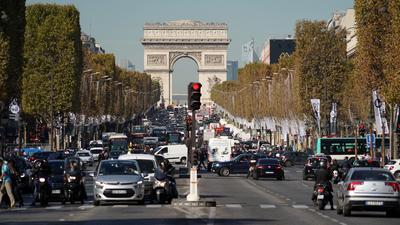 Zakaz wjazdu do centrum bez powodu. Paryż wprowadza kolejne restrykcje dla kierowców