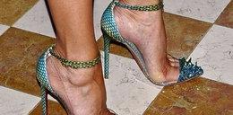 Co za buty! Jak ona w tym chodzi?!