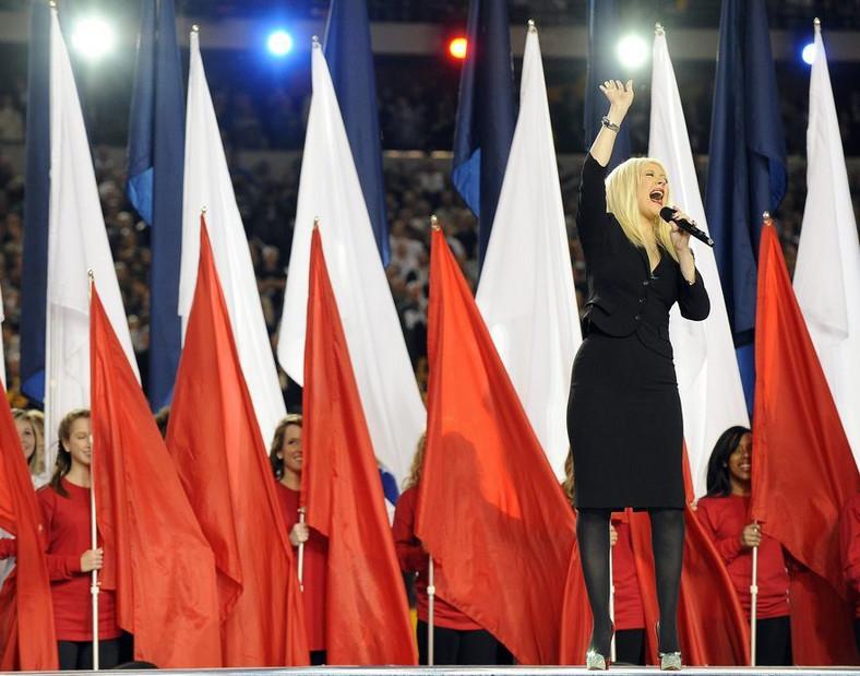 Christina Aguilera na oczach milionów pomyliła słowa hymnu