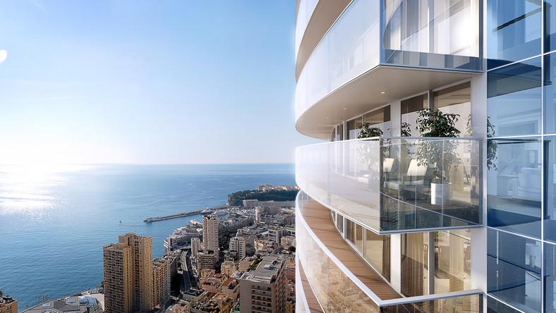 """W najdroższym mieście z zestawienia na sprzedaż wystawiony jest natomiast najdroższy apartament na świecie. Chodzi o penthouse zajmujący pięć najwyższych pięter w budynku Tour Odeon w Monako. Sam budynek mierzy 170 metrów (49 pięter) i jest to pierwszy wieżowiec wybudowany na terenie Księstwa od 1980 roku. Na samym szczycie nowego budynku znajduje się 5-kondygnacyjny penthouse o powierzchni 3,3 tys. mkw. Składa się on z 5 sypialni, 3 łazienek, sali kinowej i basenu ze zjeżdżalnią usytuowaną na zewnątrz elewacji, co czyni z tego apartamentu zupełny unikat. Atutami inwestycji są też panoramiczne okna, wysoki standard wykończenia, system """"inteligentnego domu"""", a także możliwość skorzystania z całodobowej usługi concierge, limuzyny, centrum SPA, sali gimnastycznej, siłowni, basenu i serwisu sprzątającego. Cena? Penthouse na szczycie wieży wyceniony został na co najmniej 300 mln euro (ponad 1,2 mld zł). Jeśli faktycznie zostanie za taką kwotę kupiony, to na liście najdroższych apartamentów wyprzedzi dotychczasowego rekordzistę - apartament w budynku Hyde Park One w Londynie, który został w 2014 roku sprzedany za około 700 mln zł, a więc prawie o połowę mniej niż wycena najdroższego apartamentu w Tour Odeon."""