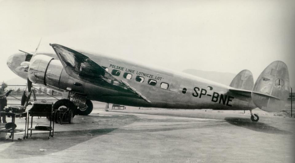 """Lockheed L-14 """"Super Electra"""" dysponował miejscem dla 14 pasażerów. To właśnie te samoloty - o rejestracjach SP-BNE i SP-BNF - wykonały ostatnie loty przed II wojną światową"""