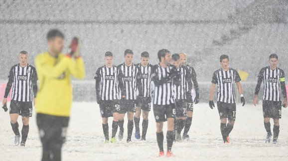 Fudbaleri Partizana zaostaju za Crvenom zvezdom 15 bodova