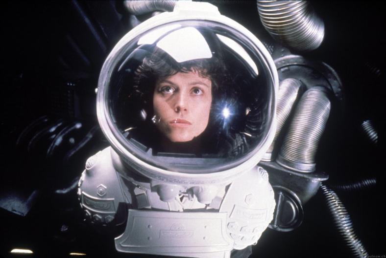 """Sigourney Weaver w filmie """"Obcy"""" (kadr z filmu)"""