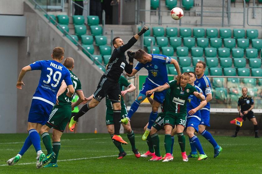 Ruch Chorzów z licencją na grę w Ekstraklasie. Dostał minusowe punkty