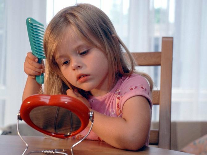 Čemu to uče decu u školama? Kada me je ćerka PITALA OVU STVAR, ukočila sam se od ŠOKA i proključala OD BESA