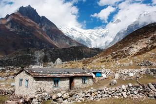 W Nepalu powstanie gigantyczne lotnisko. Rząd wytnie 7 tys. ha dżungli
