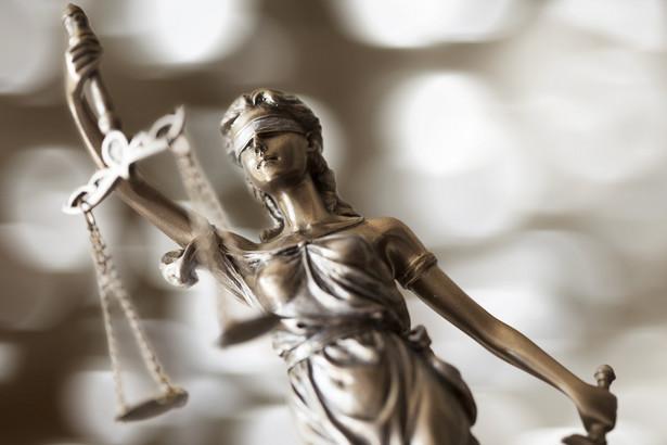 Według RPO uregulowanie zasad rządzących wyłanianiem szefa SN w ustawie, a więc w akcie uchwalanym przez parlament, byłoby sprzeczne z zasadą niezależności sądownictwa oraz zasadą autonomii SN