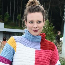 Magdalena Boczarska w dziwnym swetrze na festiwalu w Gdyni. Wygląda stylowo?