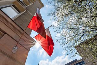 Podczas obrad rady gminy zawiśnie flaga państwowa