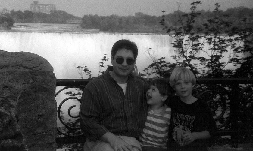 Ojciec chłopaków, 1999 rok, Toronto