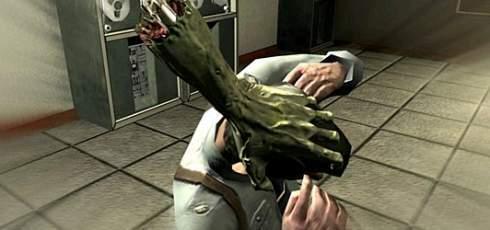 Zombie właśnie rozprawia się z przypadkowym nieszczęśnikiem...