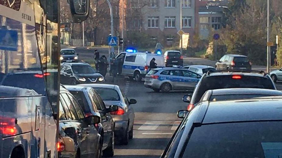 Rozbity policyjny radiowóz. fot. Gdzie suszą w Zielonej Górze