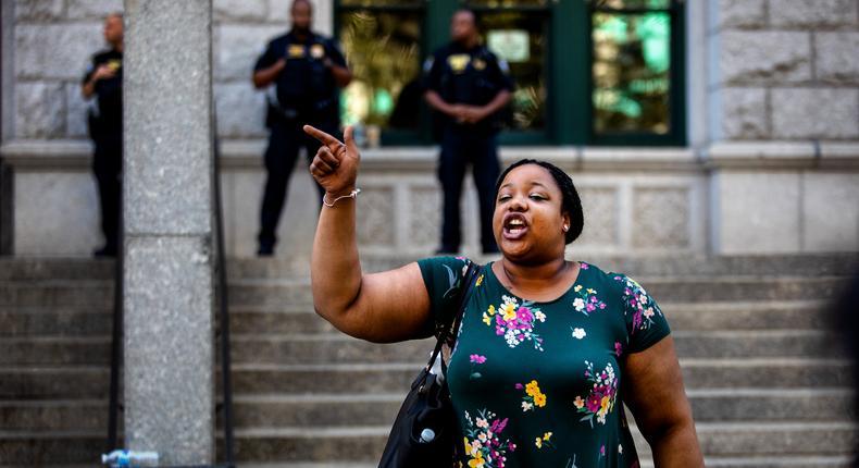No U.S. charge against officer in Garner case