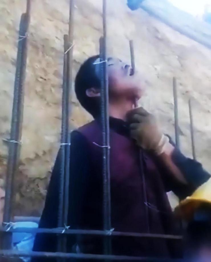 Kinez se nabio na šipku