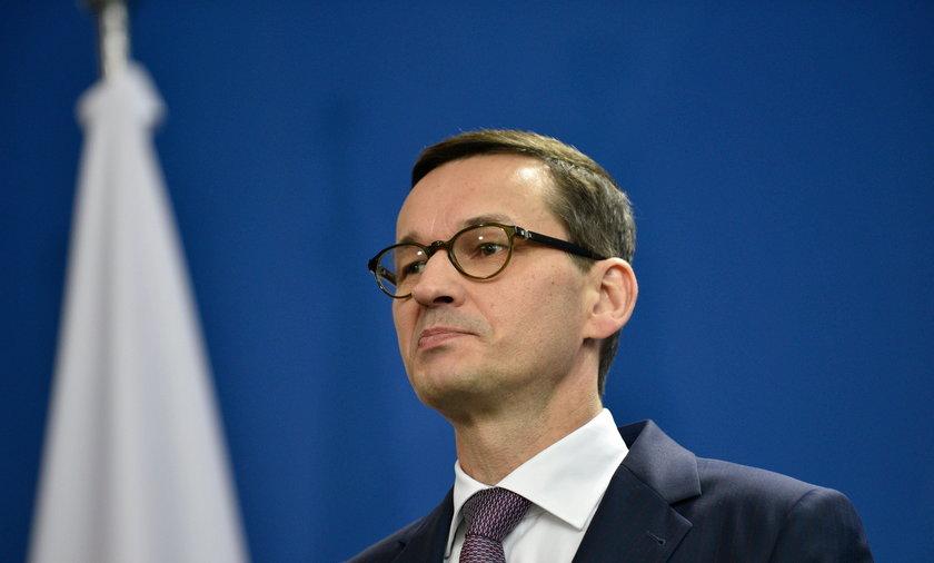 Morawieckiemu spadło popracie. Nowy sondaż CBOS