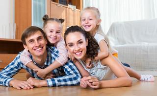 Ekspert: Dzięki programowi 500+ poprawi się sytuacja mieszkaniowa dużych rodzin