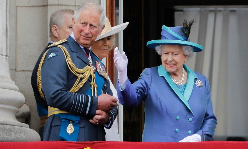 Królowa Elżbieta II i książę Karol