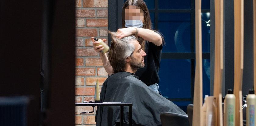 Dowbor w drogim salonie… Był u fryzjera, a efektów nie widać. ZDJĘCIA