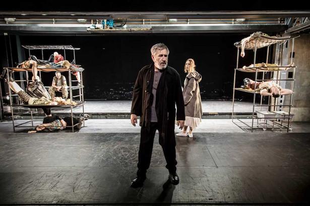 Burza, Teatr Narodowy, Jerzy Radziwiłowicz (Prospero) i Maja Kleszcz (Miranda), Fot. Krzysztof Bieliński
