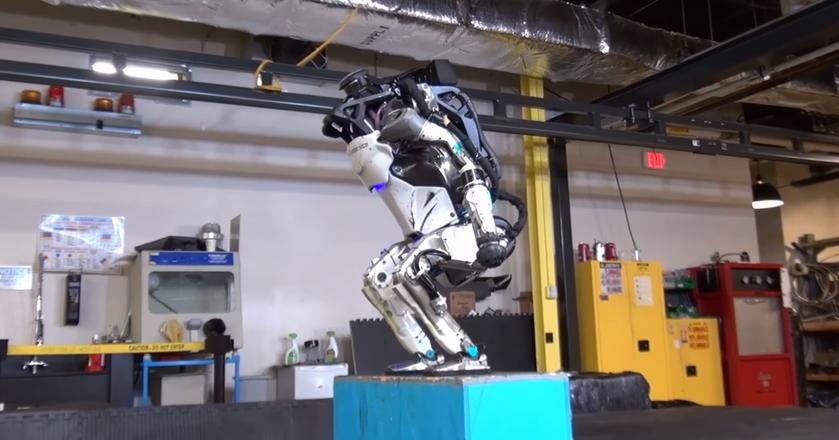 Atlas - robot firmy Boston Dynamics - nauczył się nowej sztuczki