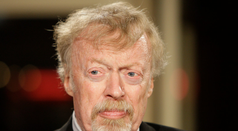 Nike founder Phil Knight only hired accountants and lawyers to lead the company in its early days — here's why (NKE)