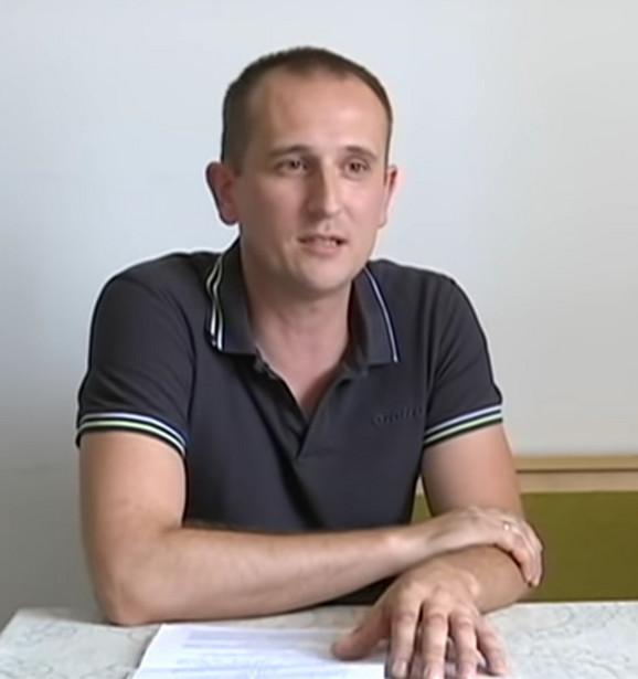 Nenad Elezović