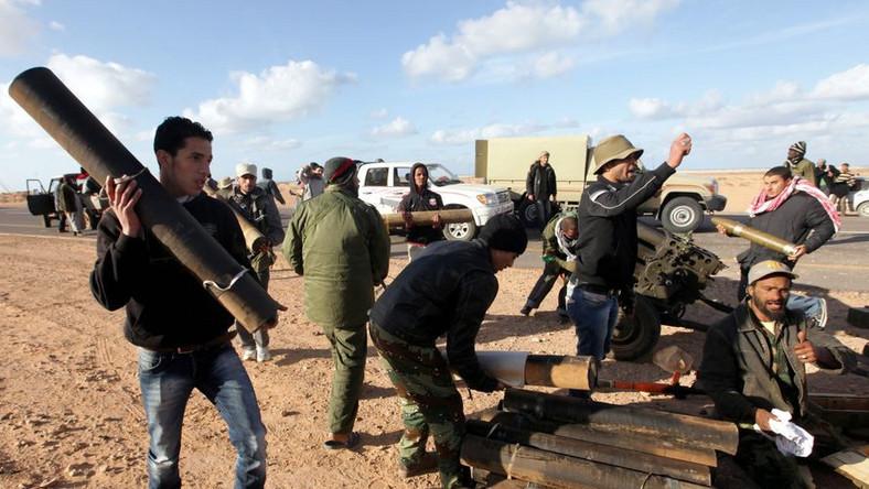 Paryż i Londyn chcą zakazać lotów nad Libią