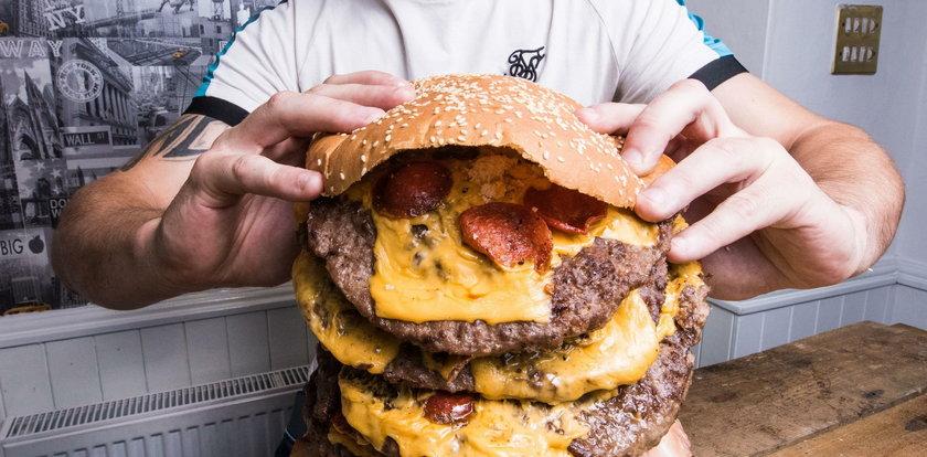 Dają tego burgera za darmo. Jest jeden haczyk