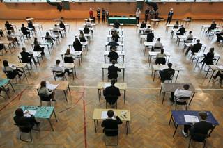 Egzamin gimnazjalny 2014: Uczniowie zmierzyli się dziś z językiem obcym