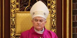 Arcybiskup Hoser w szpitalu. W jakim stanie jest duchowny?