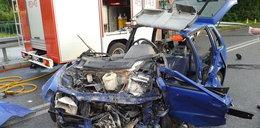 Troje rannych, z auta została miazga