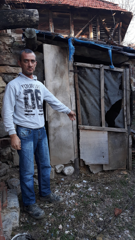 NIs01 Goran Stankovic koga je Malcanski berberin lazno prijavio kao jataka da mu se osveti zbog samara pokazuje supu u kojoj je JOvanovic lazno naveo da se skrivao foto Branko Janackovic