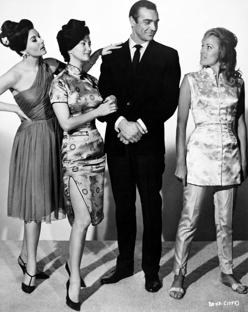 Ursula Andress, Zena Marshall i Eunice Gayson
