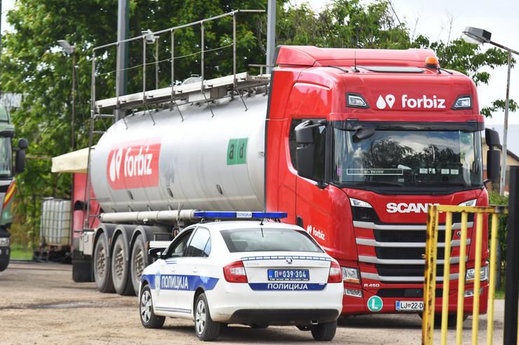Novi Sad1145 cisterna za gorivo u kojoj su pronadjeni migranti foto Nenad Mihajlovic
