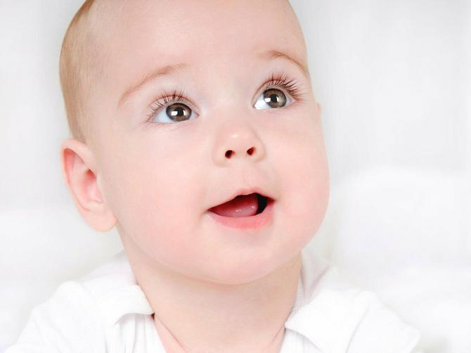 Prva godina života je presudna za razvoj vida vaše bebe: Zato imajte na umu ove savete!