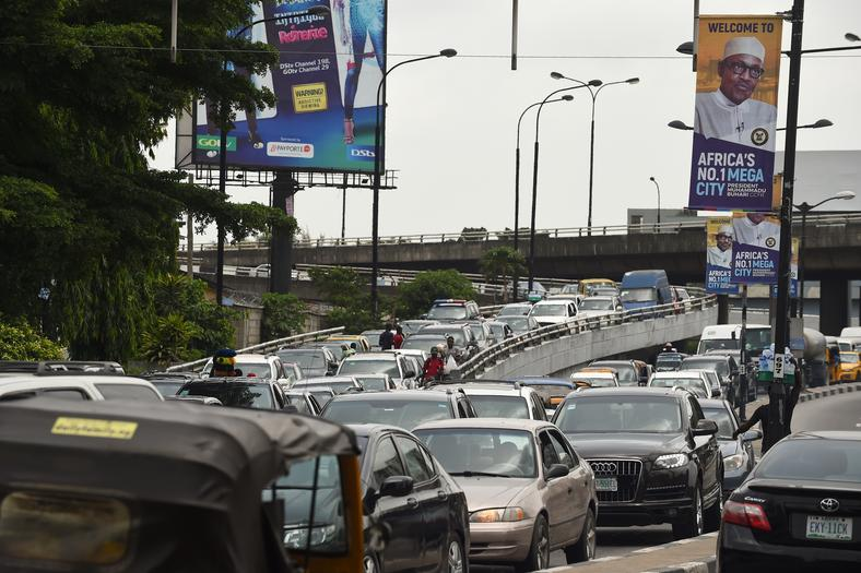 Traffic in Lagos was hellish in December (AFP PHOTO / PIUS UTOMI EKPEI/Guardian)